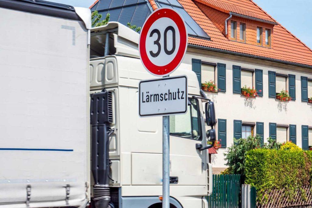 Lärmschutz Straßenschild